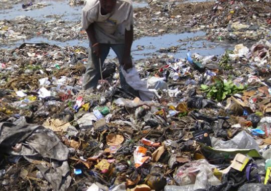 Togo : Pose de la première pierre du  Centre d'enfouissement technique d'Aképé