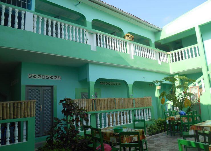 Hôtel – Restaurant au Togo : Découvrez l'Hôtel Grunschloss – château vert à Lomé