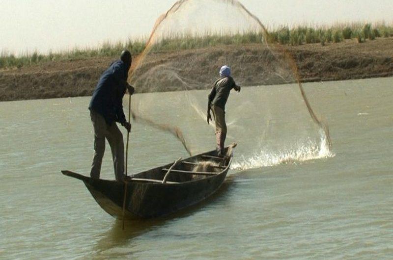 Togo: un permis de pêche désormais obligatoire pour exercer sur le lac Nangbéto.