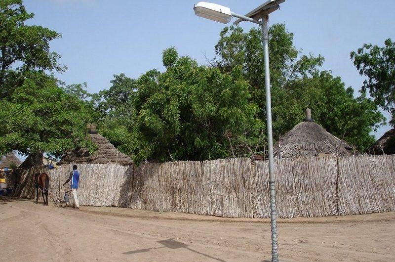 Le Togo reçoit un financement en faveur de l'électrification rurale.