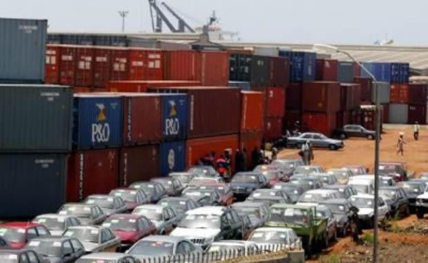 douanier port