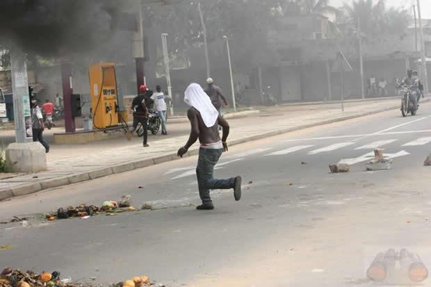 Manifestation dans les rues de Lomé. L'Opposition contre le parti Unir