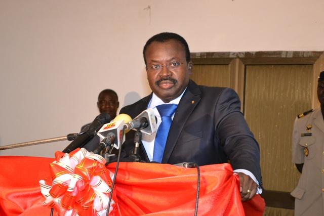 Ahoomey-Zunu rend hommage aux infirmiers et infirmières du Togo