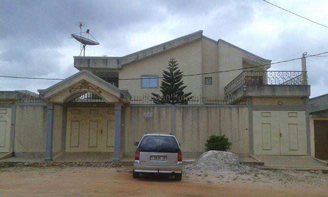 LOME INFOS IMMOBILIER : Maison à vendre à Apédokoè = 160 millions CFA