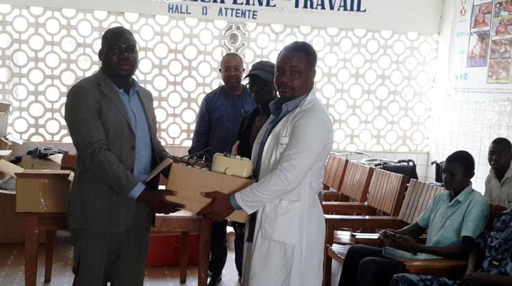 Mey Gnassingbé et JEM ont fait don d'équipements médicaux au CMS de Défalé