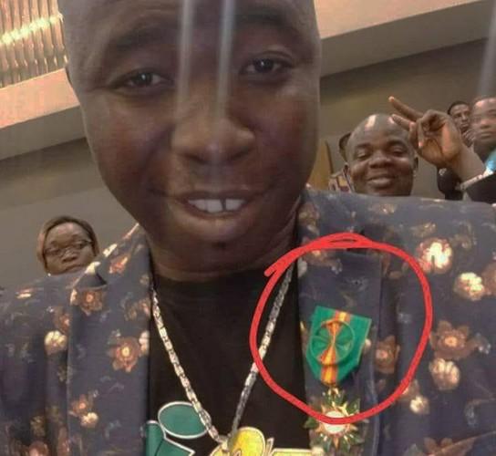 Togo : Polémique après la distinction de l'humoriste Gogoligo