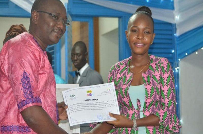 Togo / OIF : remise d'attestations aux incubés Libres Ensemble