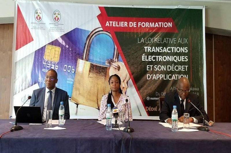 Professionnels et grand public se forment sur les transactions électroniques