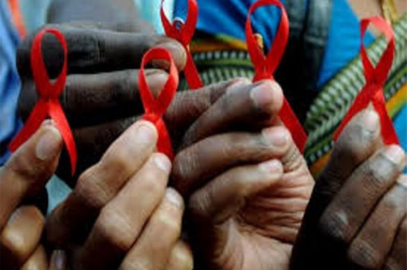 Comment les pays travaillent ensemble dans la lutte contre le VIH/SIDA ?