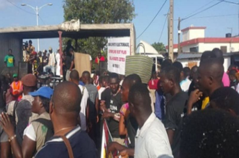 La C14 soutient la marche de Togo Debout
