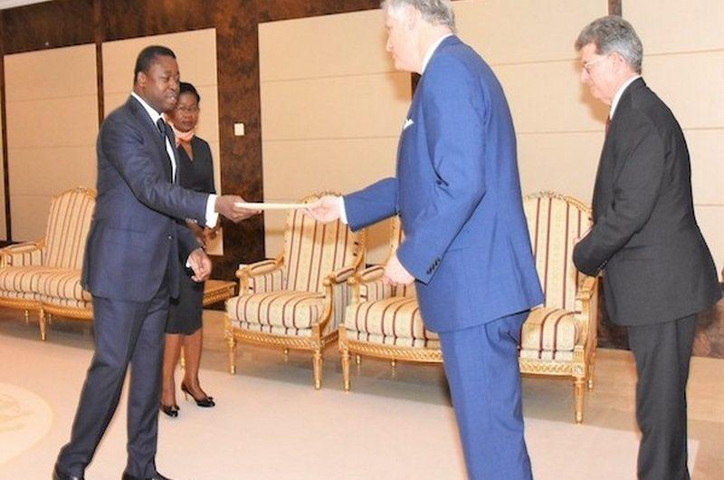 Le nouvel ambassadeur des États-Unis au Togo débute officiellement ses fonctions.