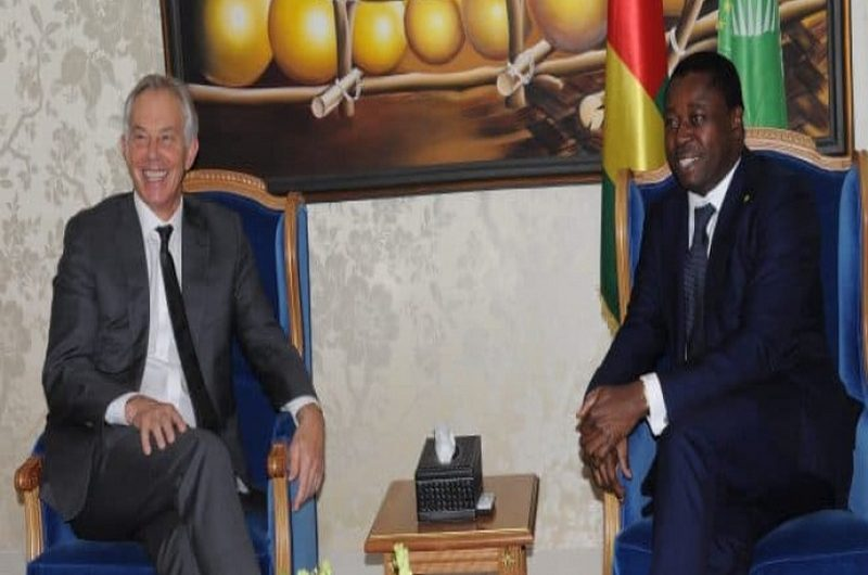 L'ancien chef de gouvernement britannique Tony Blair en visite au Togo en faveur des communautés à la base.