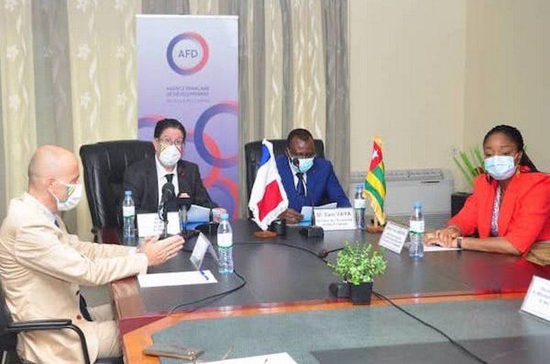 Covid-19: la France accorde 2 milliards FCFA au Togo pour soutenir le programme Novissi.