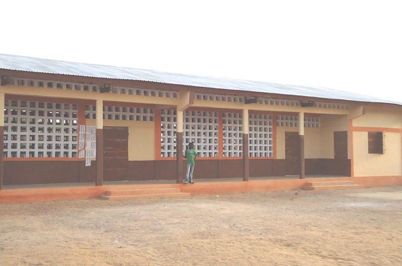 Amou Oblo et le ministère des enseignements œuvrent pour une facilité d'accès à l'éducation.