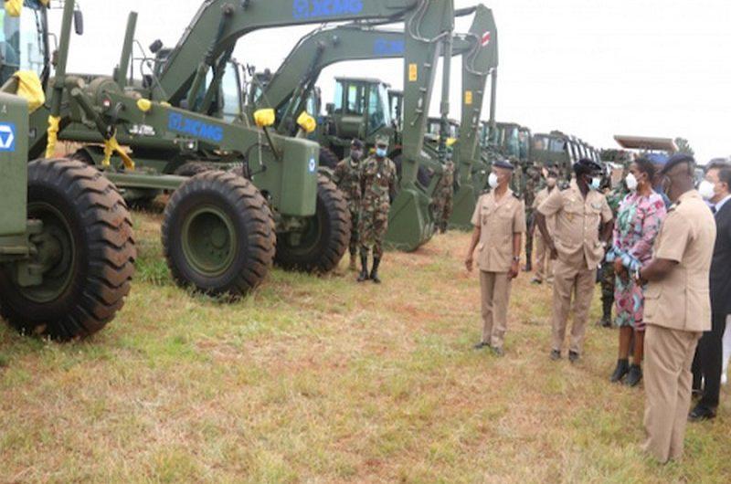 Togo: la Chine appuie l'armée togolaise en matériels de Génie civil.