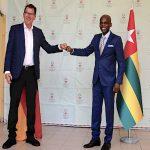 Togo/Covid-19: l'Allemagne offre à l'Institut national d'hygiène des respirateurs et oxymètres.