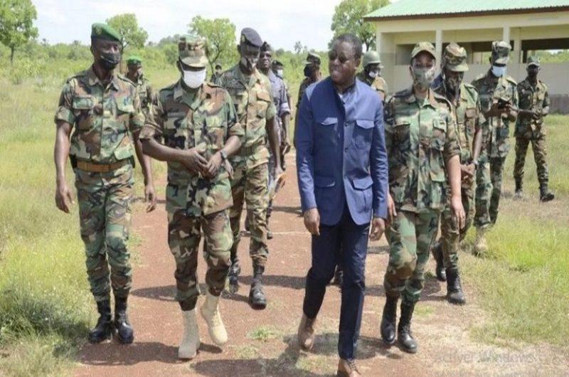 Togo: Faure Gnassingbé assiste à un exercice militaire des FAT.