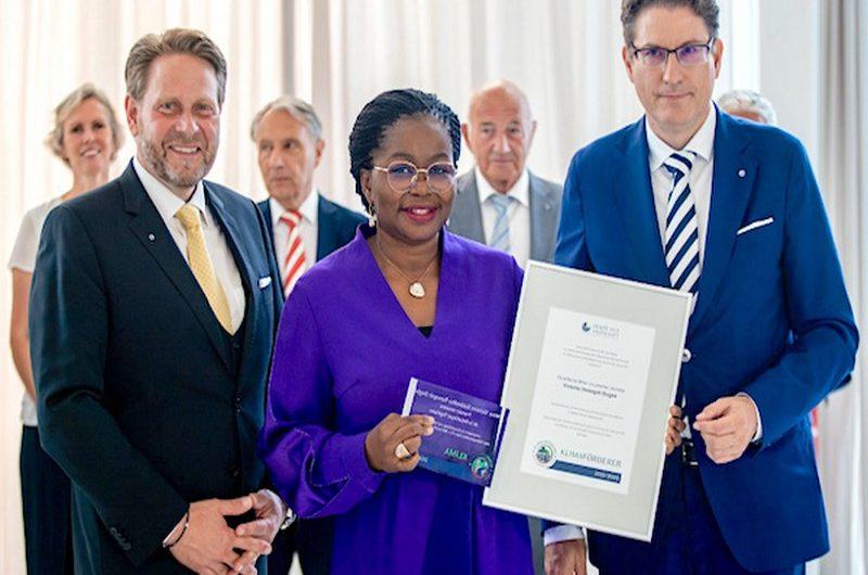 Togo: Victoire Dogbé honorée par le Sénat  Économique allemand.